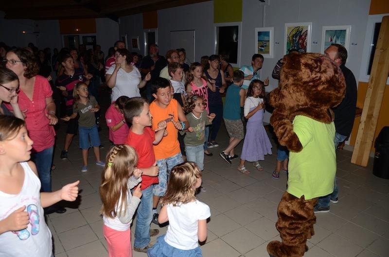 Danse de la mascotte